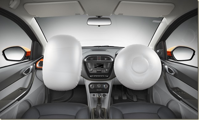 Image 10 Front dashboard shot with airbags