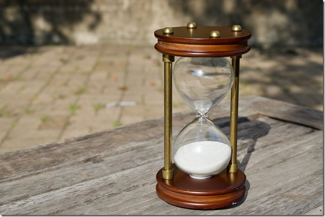 hourglass-2846643_1920