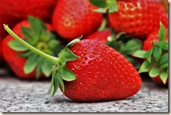 strawberries-3359755_640